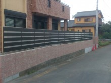 フェンスの設置が完了しました。