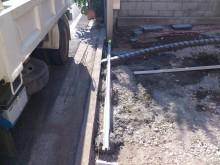 横浜市 外構施工例 二世帯 ピンコロライン 伸縮門扉レール