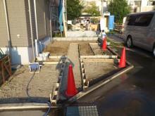 平塚市 施工現場 駐車場 コンクリート打設前 型枠作業
