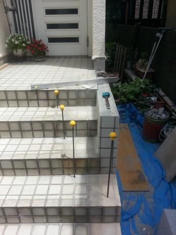 階段拡張工事中です。