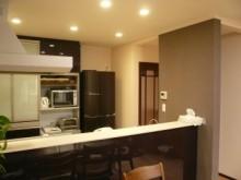 建物施工例 システムキッチン リフォーム 対面キッチン 鏡面仕上げ