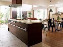 対面キッチンやアイランドキッチンなど生活スタイルに合わせたキッチンをお選びください