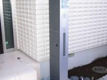 三協アルミのスリムな機能門柱、モデアの施工例