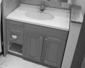 リフォーム前の洗面化粧台