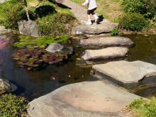 大磯町 吉田邸 池と大きな石