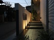 平塚市 外構施工例  門袖裏 埋め込まれた照明で夜間も安心でおしゃれ