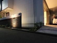平塚市 外構施工例 門まわり アプローチ ライトアップ 照明 モダンな雰囲気