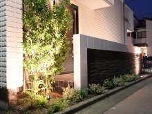 平塚市 外構施工例  門袖 千陶彩 植栽もライトアップで重厚感ある門まわり