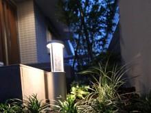 小田原市 外構施工例 アプローチ横の照明 タカショー ポールライト
