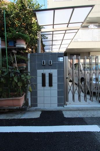 横浜市 外構施工例 伸縮門扉 二世帯 サイクルポート