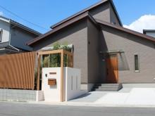 外構施工例 横浜 シンプルモダン 門袖 デザインポスト