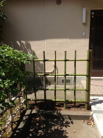 お庭のリフォーム 四つ目垣 植栽撤去