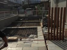 小田原市 外構施工例 駐車場  角柱 自然石調タイル