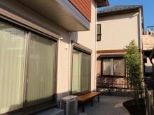 横浜市 庭の施工事例 砂利敷きにピンコロ縁取りの植栽スペース ぬれ縁