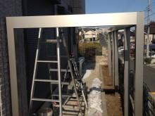 外構施工例 平塚市 自然石乱貼り後のGフレーム設置