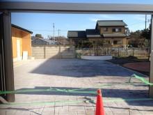 広い面積をスタンプコンクリートのイタリアンアシュラ-で仕上げました。