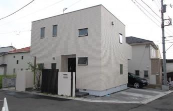 神奈川県秦野市 完成写真 角地のセミオープン外構