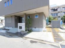 平塚市 オープン外構 直線を生かした 駐車場 門袖