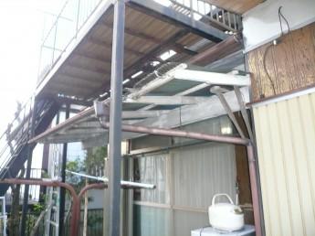 屋根置きバルコニーの撤去と屋根の改修工事
