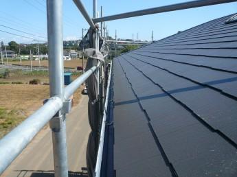 屋根材はカラーベストです。