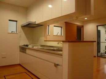 キッチンは『LIXIL システムキッチン アミィ』を採用しました。