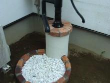 レンガで構成された水栓