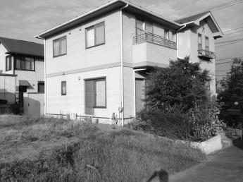 マイティウッド設置前の現場は見通しが良すぎて、お家が丸見えでした。