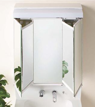 鏡の中にも収納スペースがある洗面化粧台