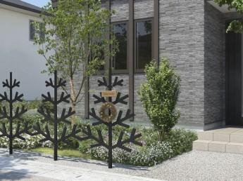 黒と白いカラーがある三協アルミさんの樹木型フェンス、モミ。